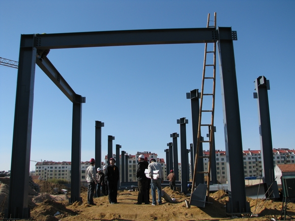 56 240 64 300 2 高层及超高层钢结构钢柱校正:主要是控制钢柱的水平