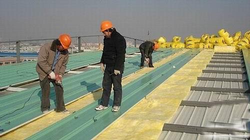 上海浦东某保温型彩钢夹芯板钢结构车间施工图