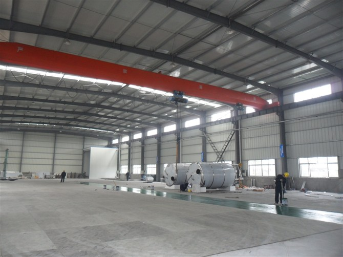 钢结构厂房带行车及大吨位吊车实例
